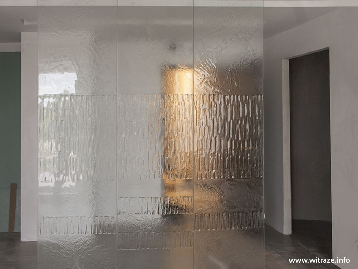 Modern Clear Glass Partition