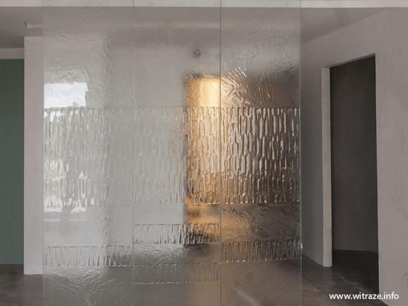 Ścianka Ze Szkła Artystycznego Reliefowanego