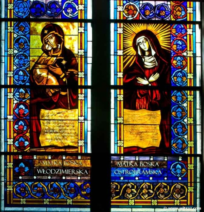 Virgin Mary Wlodzimirska and Virgin Mary from Ostra Brama - stained glass windows in Pila church