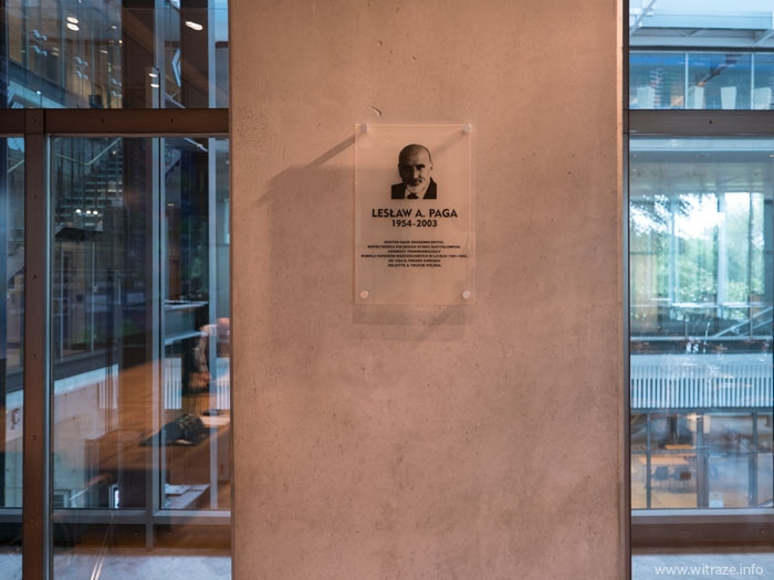 Commemorial glass plaque at Warsaw Stock Exchange