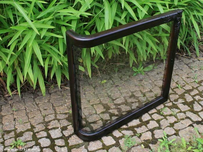 Custom made bent glass for furniture