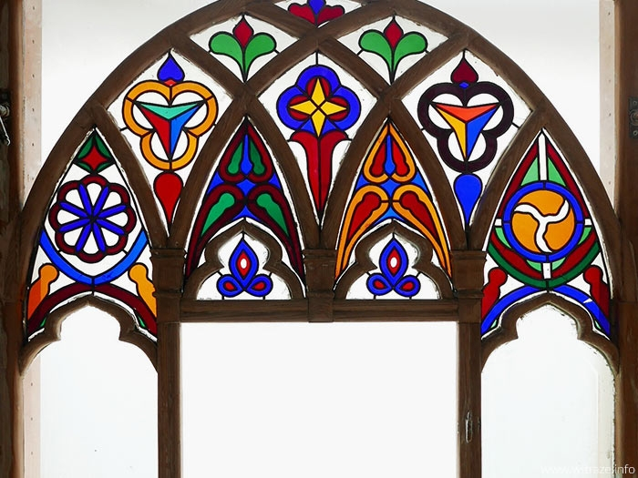 Conservation of stained glass windows from historical masion