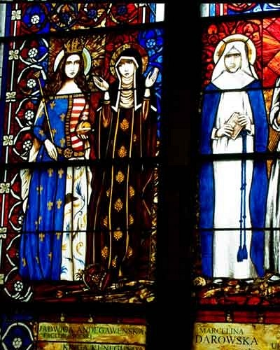 Saints woman: Jadwiga Andegavens, Kinga, Marcelina Darowska, Urszula Ledochowska - stained glass windows in Pila church